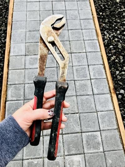 Emergency Preparedness Step 1 - pliers