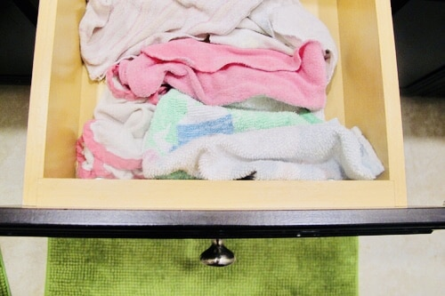 11 Absolutely Genius Mom Hacks for Taking Care of Sick Kids - I've never thought of these things before! If you are looking for tips on what to do when a kid gets the flu, or tips on how to keep the sick germs from spreading, look no further! This girl from PlanForAwesome.com has all the mom hacks!  Tip #5 is brilliant! #sickkids #momhacks